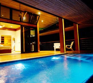 Casa de la Tierra y el Mar | Pool Lighting | Aereal view | Alvarez Arquitectos | Malpais, Costa Rica