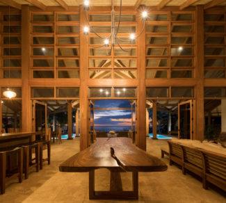 Casa Brisas del Cabo   Table and wood paneling   Alvarez Arquitectos   Malpais, Costa Rica
