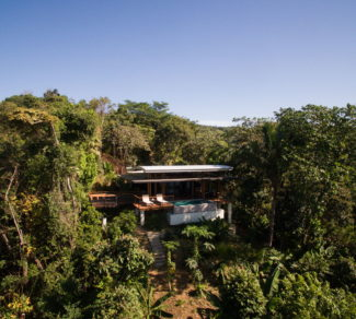 Casa de la Tierra y el Mar | In to the Mountain | Aereal view | Alvarez Arquitectos | Malpais, Costa Rica