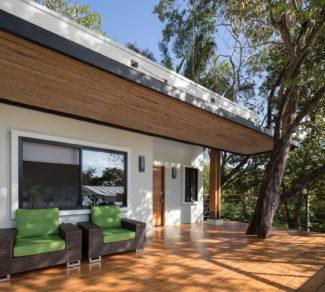 Casa de la Tierra y el Mar | Deck and Tree 2 | Alvarez Arquitectos | Malpais, Costa Rica