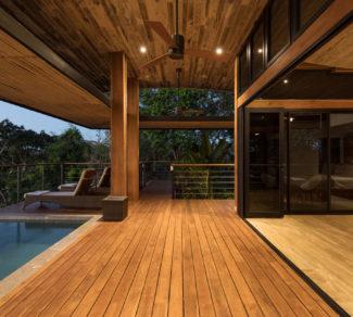 Casa de la Tierra y el Mar | Deck and Pool | Alvarez Arquitectos | Malpais, Costa Rica