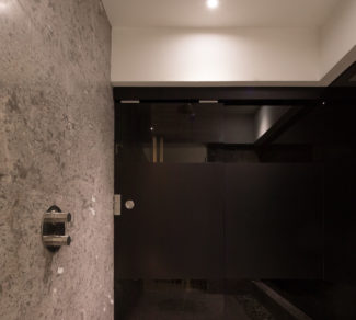 Casa de la Tierra y el Mar | Shower | Alvarez Arquitectos | Malpais, Costa Rica
