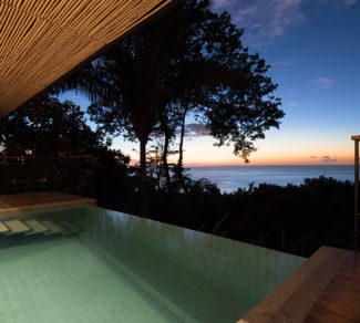 Casa de la Tierra y el Mar | Sunset | Pool | Ocean view | AlvarezArquitectos | Malpais, Costa Rica